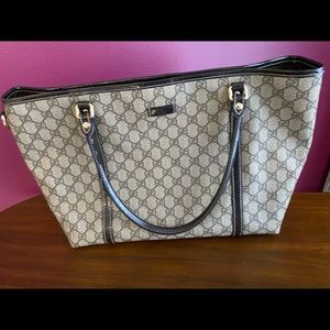 Gucci Joy tote patent handles canvas GG! Awesome!